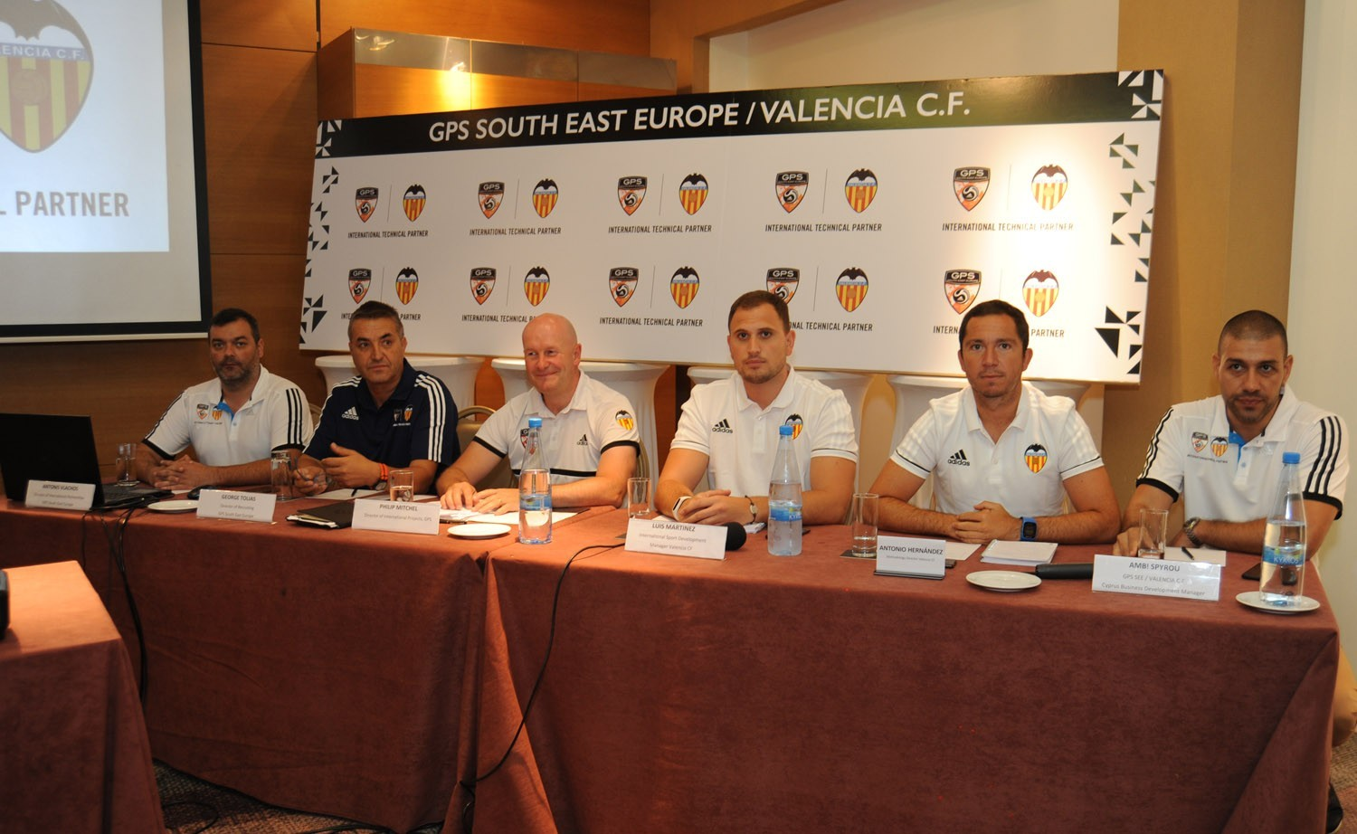 http://www.sigmalive.com/application/cache/default/images/files/1500x922/Valencia_Cyprus_Presser1.jpg