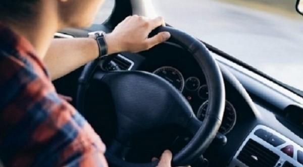 Πάφος: Ανήλικος πήρε τιμόνι χωρίς άδεια και ασφάλεια – Έμπλεξε κι ο πατέρας