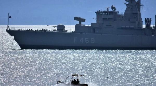 Συνδρομή του γαλλικού πολεμικού ναυτικού στην ΑΟΖ συζήτησαν Αθήνα και Παρίσι