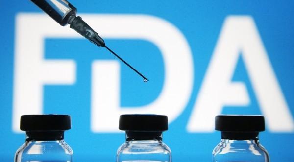 FDA: 3η δόση μόνο σε ηλικιωμένους και ευπαθείς ομ&#
