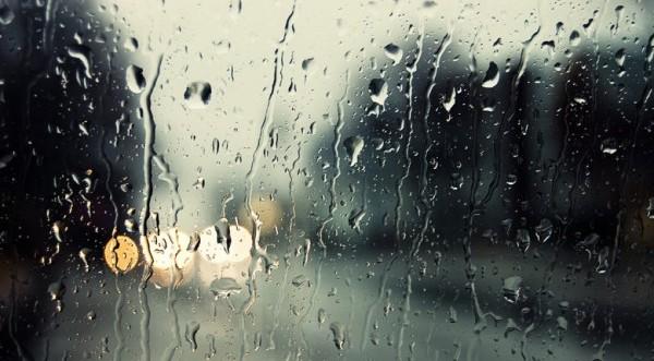 Βροχές, καταιγίδες και χαλάζι το βράδυ