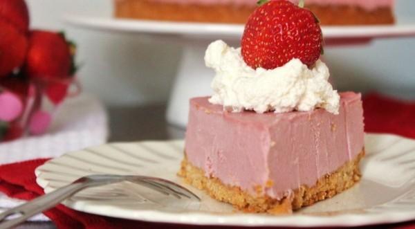 Συνταγή για cheesecake παγωτό με φράουλες