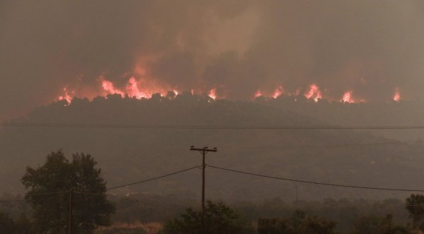 Συγκλονιστικό βίντεο από τη μεγάλη καταστροφή στην Εύβοια