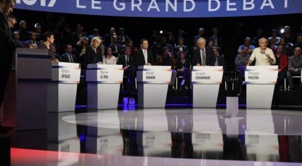Η επίθεση στο Παρίσι άλλαξε τα σχέδια των υποψηφίων
