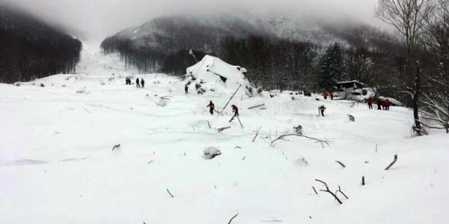 Ανατριχιαστικό: Ζευγάρι που αγνοούνταν 75 χρόνια βρέθηκε σε παγετώνα στις Άλπεις!Τα πτώματά τους άθικτα κοντά σε χειμερινό θέρετρο...